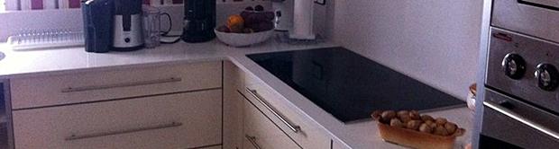 Cocina lacada en blanco roto